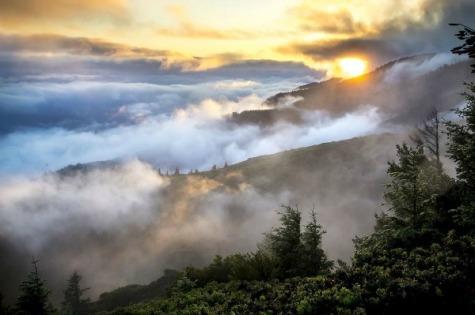 326859-Foggy-Mountains-At-Sunrise