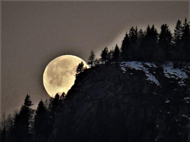 Super Moon - Miriam Keyes (3)