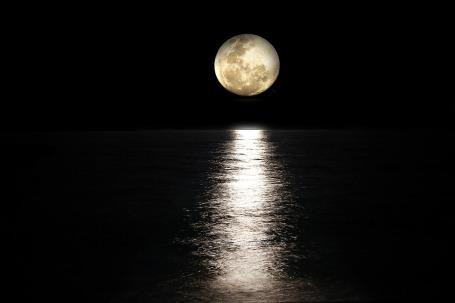 moon-2762111_960_720