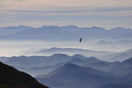 mountains-3699372__340
