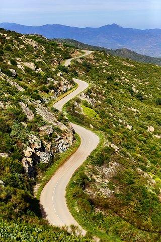 a-winding-road-4751928__480.jpg